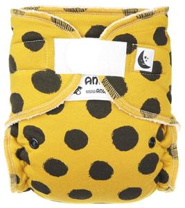 Black dots (mustard) Fitted diaper with velcro
