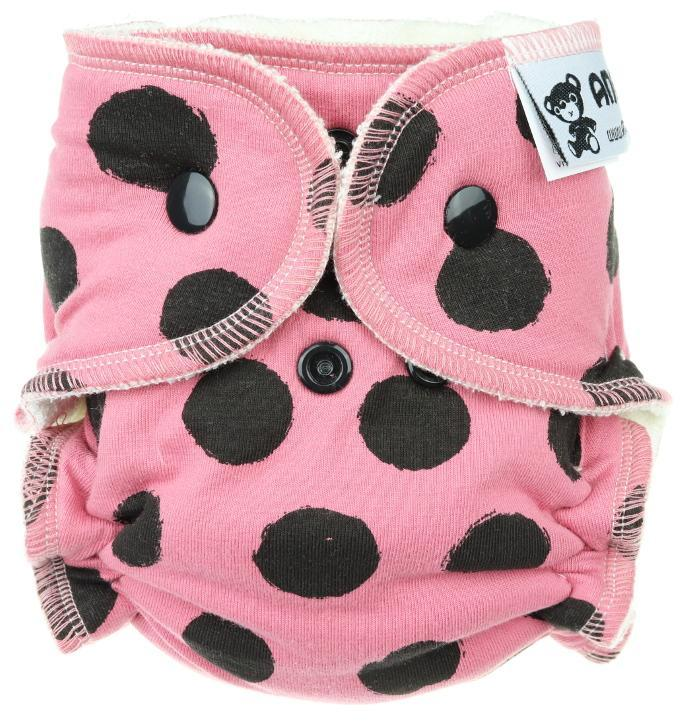 Black dots (pink) Fitted diaper with snaps