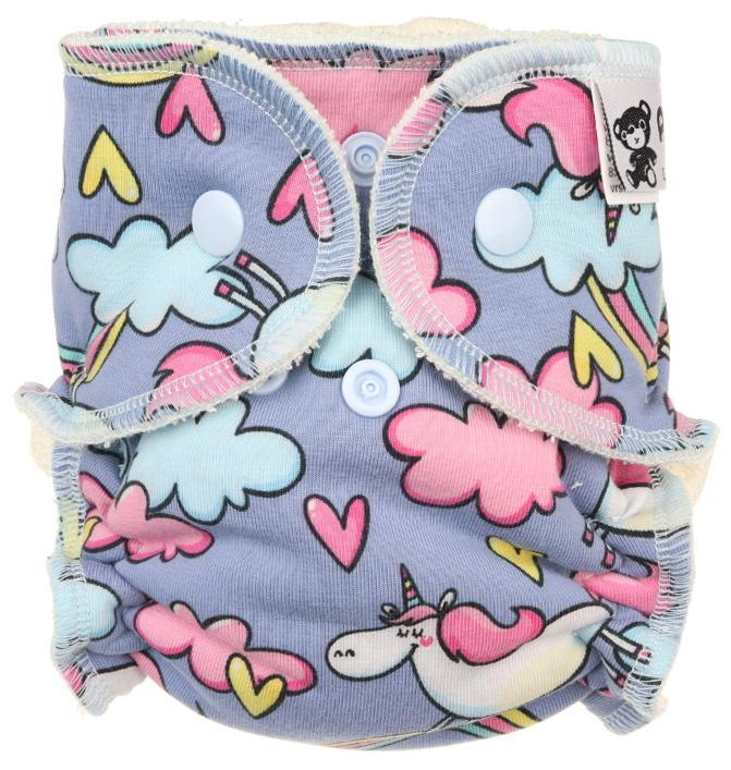 Unicorns in the sky Fitted diaper with snaps