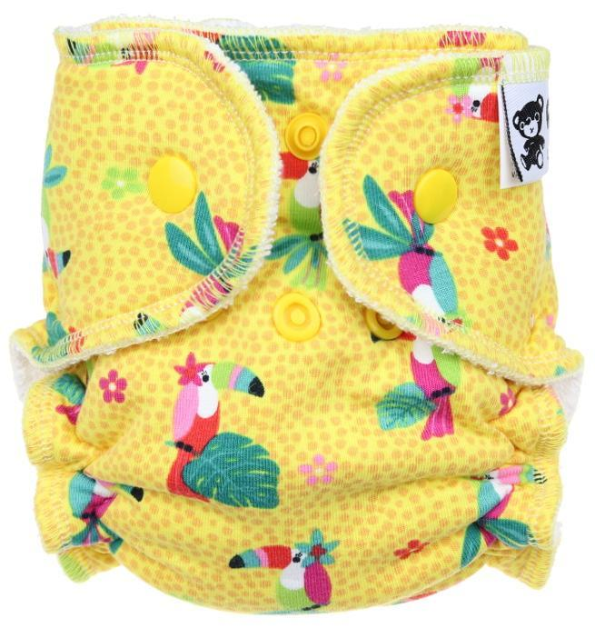 Parrots (yellow) Fitted diaper with snaps