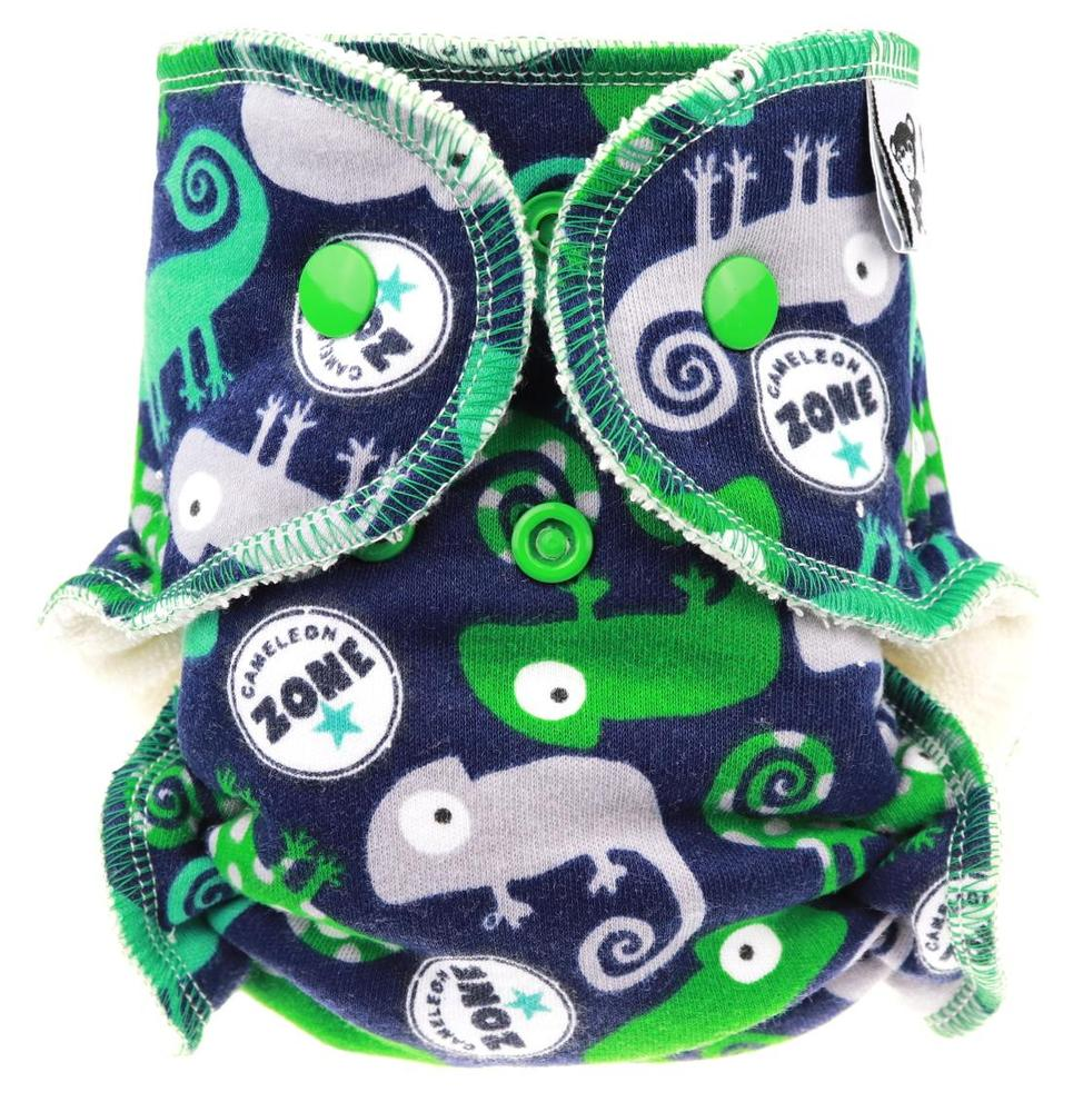 Chameleons (green, blue) Fitted diaper with snaps