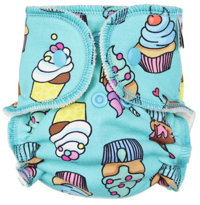 Cupcakes Fitted diaper with snaps